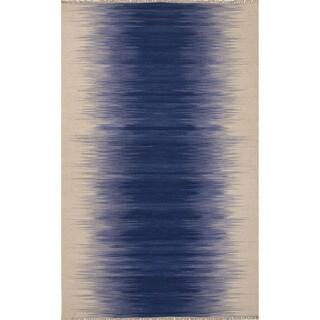 Bandeau Handmade Ombre Blue/ Cream Area Rug (5' X 8')