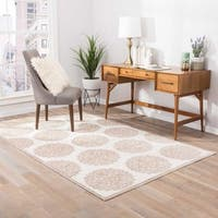 Roksana Medallion White/ Cream Area Rug - 9 x 12