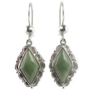 Handmade Sterling Silver 'Diamond Dahlia' Jade Earrings (Guatemala)