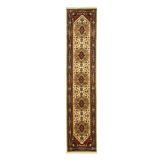 Hand-knotted Wool Ivory Traditional Oriental Serapi Rug (2'6 x 8')