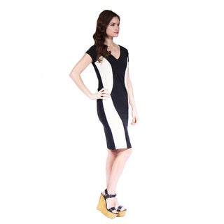 24/7 Comfort Apparel Women's Cap-Sleeve Black and Cream Sheath Dress