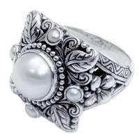 Handmade Sterling Silver 'Nature's Splendor' Pearl Ring (3,10 mm) (Indonesia)