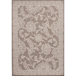 Indoor/ Outdoor Floral Pattern Grey/ Ivory Area Rug (2' x 3'7)