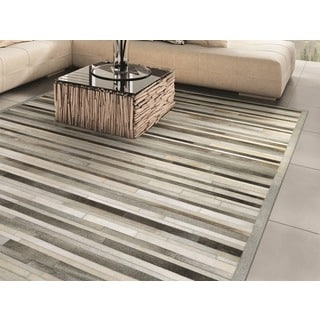 Hand-Crafted Couristan Chalet Plank Grey/ Ivory, Ethically Sourced Cowhide Leather Rug (8' x 11')