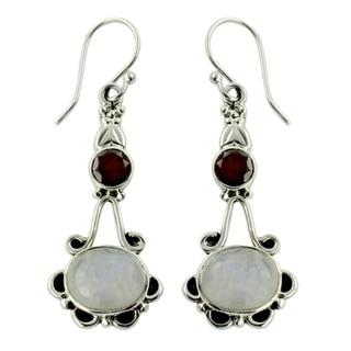 Handmade Sterling Silver 'Fresh Beauty' Moonstone Garnet Earrings (India)