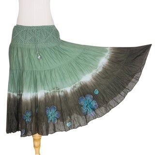 Handcrafted Cotton 'Green Boho Chic' Batik Skirt (Thailand)