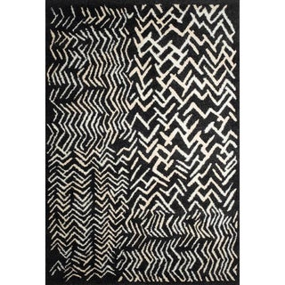 Ren Wil Abstract Black Area Rug (5'2 x 7'2)