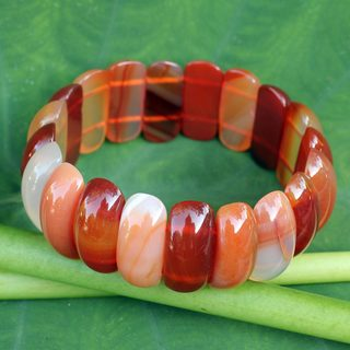 Handcrafted Carnelian 'Just Glow' Bracelet (Thailand)