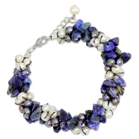 Handmade Pearl Lapis Lazuli 'Gracious Lady' Bracelet (4 mm) (Thailand)