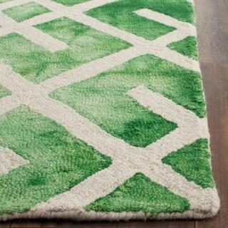 Safavieh Handmade Dip Dye Watercolor Vintage Green/ Ivory Wool Rug (3' x 5')