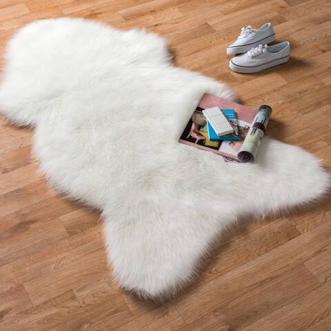 Alexander Home Asher Faux Fur Sheepskin Area Rug
