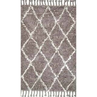 nuLOOM Hand-knotted Moroccan Trellis Natural Shag Wool Rug (5' x 8') in Grey (As Is Item)