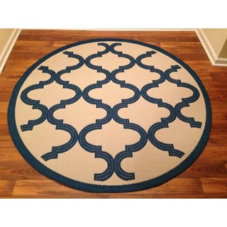 Woven Geometric Blue/ Beige Indoor/ Outdoor Rug (6'7 Round)