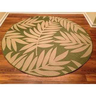 Woven Floral Green/ Beige Indoor/ Outdoor Rug (6'7 Round)