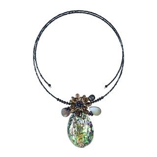 Handmade Tropical Petals Peacock Abalone Shell Memory Wire Choker (Thailand)