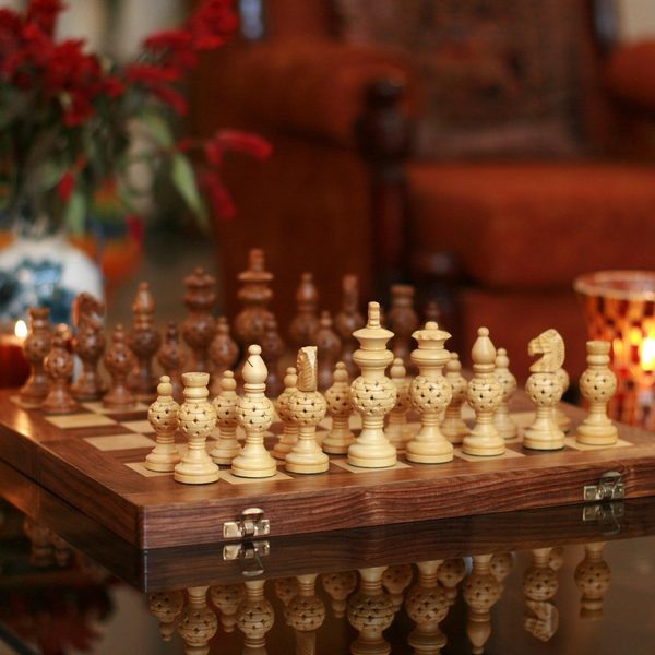 Handcrafted Seesham Wood `Grandeur` Chess Set (India)