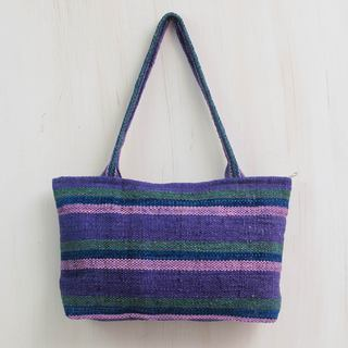 Handcrafted Wool 'Cajamarca Lily' Shoulder Bag (Peru)