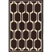 Geo Brown Hand-hooked Brown Area Rug - 5' x 8'