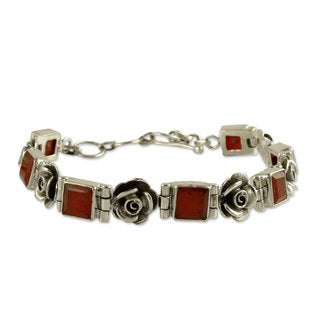 Handmade Sterling Silver 'Tropicana Rose' Carnelian Bracelet (India)