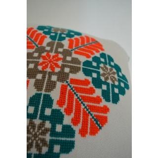 Cinq Fleurs Hand-embroidered Cotton 16-inch Decorative Pillow (Mexico)