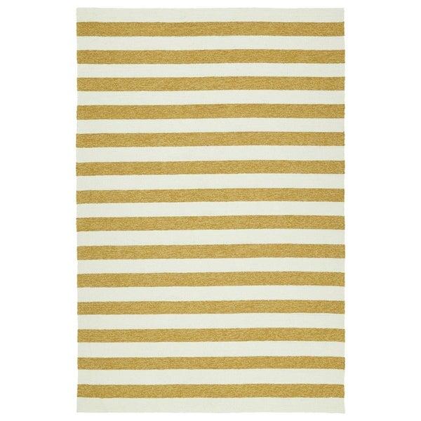 """Handmade Indoor/ Outdoor Getaway Gold Stripes Rug (5' x 7'6) - 5' x 7'6"""""""