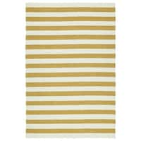 Handmade Indoor/ Outdoor Getaway Gold Stripes Rug - 8' x 10'