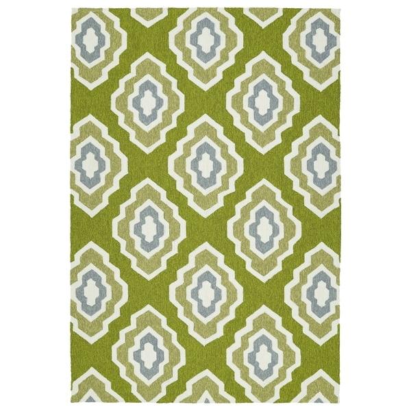 Handmade Indoor/ Outdoor Getaway Apple Green Geometric Rug - 8' x 10'