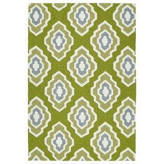 Handmade Indoor/ Outdoor Getaway Apple Green Geometric Rug (9' x 12') - 9' x 12'