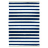 Handmade Indoor/ Outdoor Getaway Navy Stripes Rug - 5' x 7'6