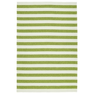 Handmade Indoor/ Outdoor Getaway Apple Green Stripes Rug (5' x 7'6)