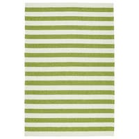 Handmade Indoor/ Outdoor Getaway Apple Green Stripes Rug - 5' x 7'6/5' x 7'6""