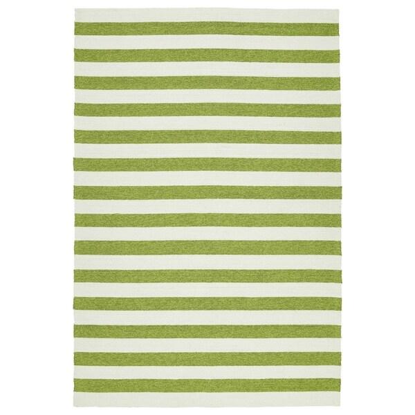 Handmade Indoor/ Outdoor Getaway Apple Green Stripes Rug - 9' x 12'