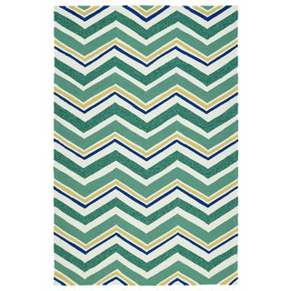 Handmade Indoor/ Outdoor Getaway Emerald Chevron Rug (9' x 12')
