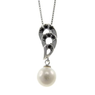 White Freshwater Pearl and Black Spinel Necklace (7-8 mm)