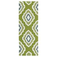 Handmade Indoor/ Outdoor Getaway Apple Green Geo Rug - 2' x 6'