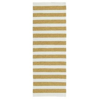 Handmade Indoor/ Outdoor Getaway Gold Stripes Rug (2' x 6') - 2' x 6'