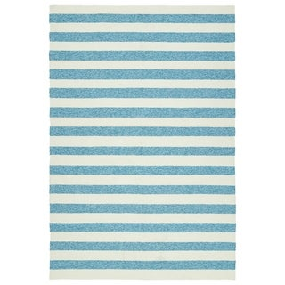 Handmade Indoor/ Outdoor Getaway Blue Stripes Rug (4' x 6')