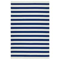 Handmade Indoor/ Outdoor Getaway Navy Stripes Rug - 2' x 3'