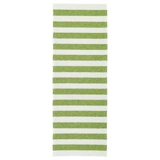 Handmade Indoor/ Outdoor Getaway Apple Green Stripes Rug (2' x 6') - 2' x 6'