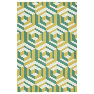 Handmade Indoor/ Outdoor Getaway Gold Geo Rug (2' x 3') - 2' x 3'