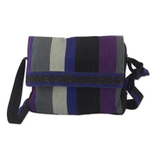 Handcrafted Cotton 'Luscious Grey' Messenger Bag (Guatemala)