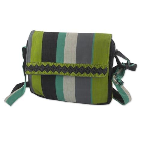 "Handmade Cotton 'Luscious Green' Messenger Bag (Guatemala) - 9""x10.5"""