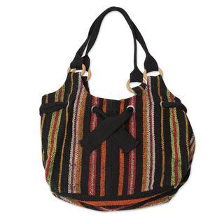 Handcrafted Wool 'Dance La Carolina' Hobo Bag (Peru)