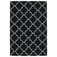 Indoor/ Outdoor Handmade Getaway Black Tiles Rug - 8' x 10'