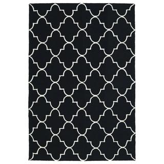 Indoor/ Outdoor Handmade Getaway Black Tiles Rug (5' x 7'6)