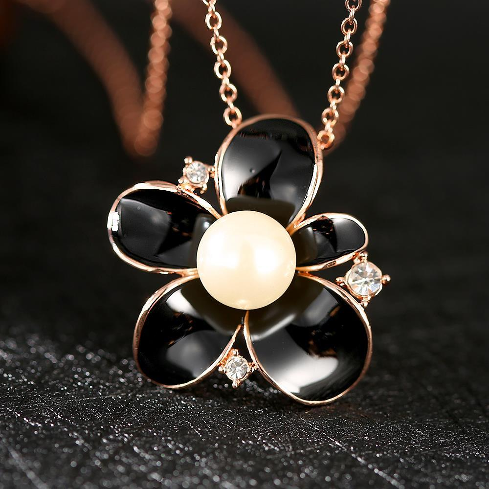 Vienna Jewelry Gold Plated Onyx Pearl Floral Necklace