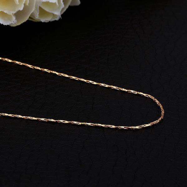 Vienna Jewelry Gold Plated Petite Intertwined Chain Necklace