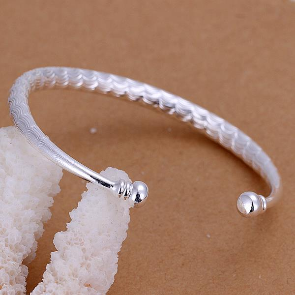 Vienna Jewelry Sterling Silver Laser Cut Petite Open Bangle