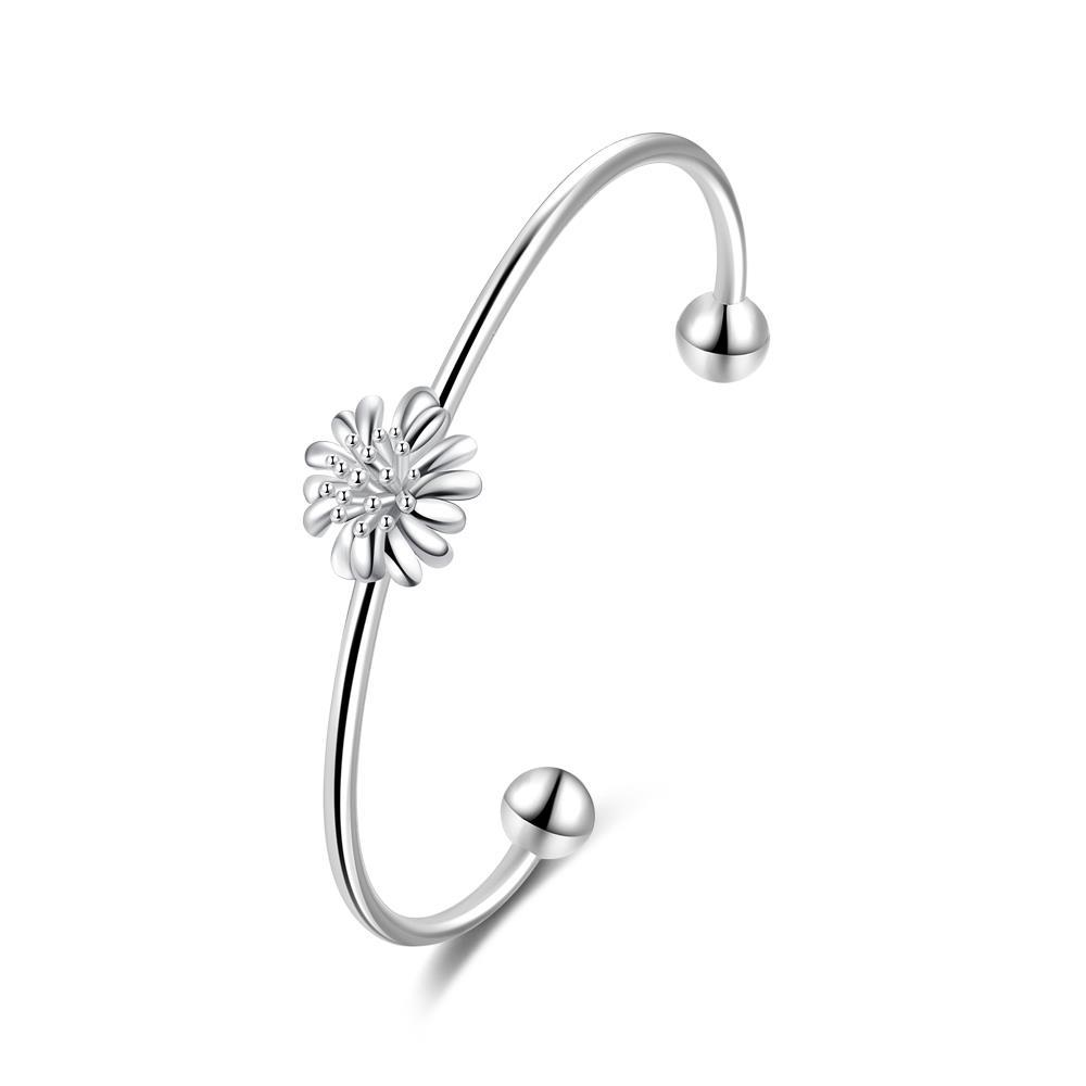 Vienna Jewelry Sterling Silver Blossoming Clover Emblem Bangle
