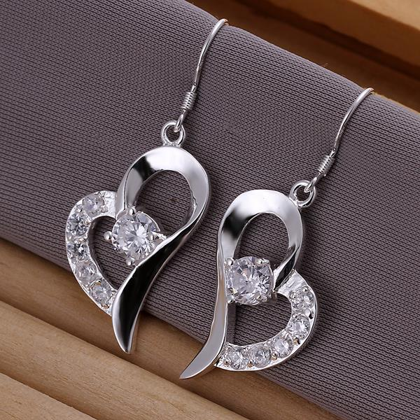 Vienna Jewelry Sterling Silver Curved Petite Heart Earring